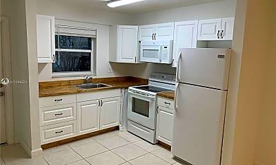 Kitchen, 3502 Riverside Dr 3, 1