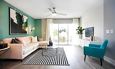 Living Room, 863 University Blvd, 1