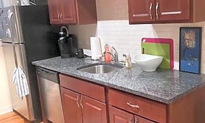 Kitchen, 4858 N. HERMITAGE #G, 1