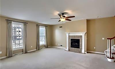 Bedroom, 523 E Vanderbilt Dr, 1
