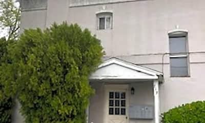 Building, 715 E Parker Ln, 1
