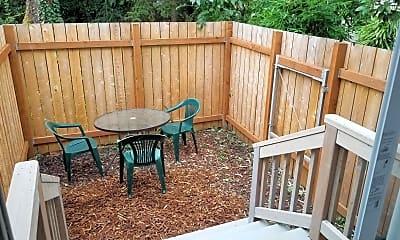 Patio / Deck, 130 S Woods St, 2