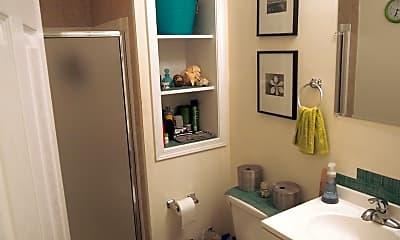Bathroom, 4439 Chestnut St, 2