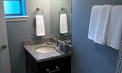 Bathroom, 1819 E Kearney St, 1