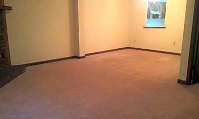Living Room, 147 Highland Park Dr, 1