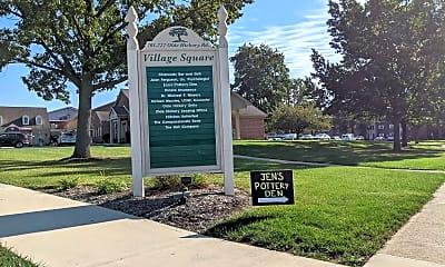 Community Signage, Village of Olde Hickory, 2