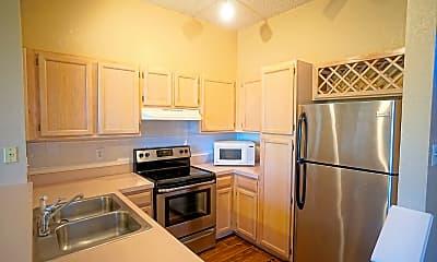 Kitchen, 717 Cruise View Dr, 2