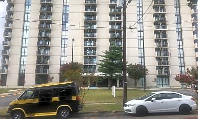 Solomon Towers, 0