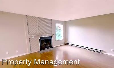 Living Room, 4401 Saratoga Pl NE, 1