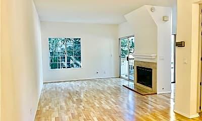 Living Room, 688 Indian Oak Ln 104, 1