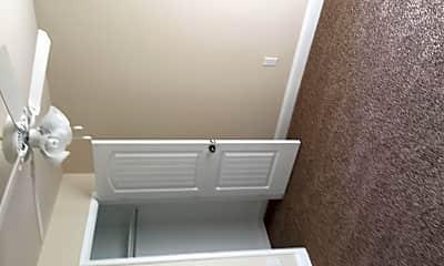 Bathroom, 808 E 99th St, 2