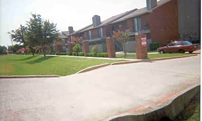 Thorn Manor Apartments, 0