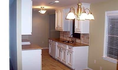Kitchen, 5006 Viking Dr, 2