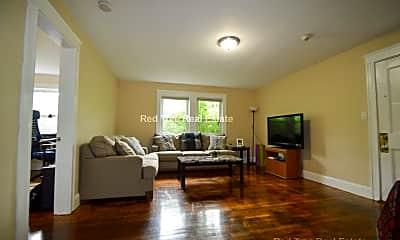 Living Room, 4907 Washington St, 1
