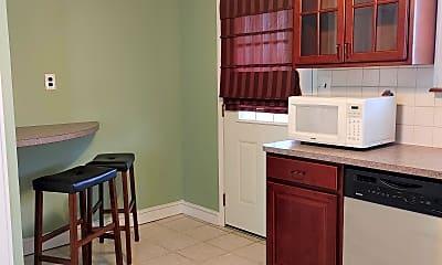 Kitchen, ohio Street, 2