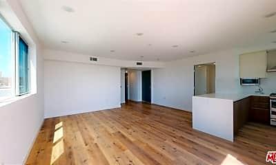 Living Room, 1143 Glenville Dr 301, 1