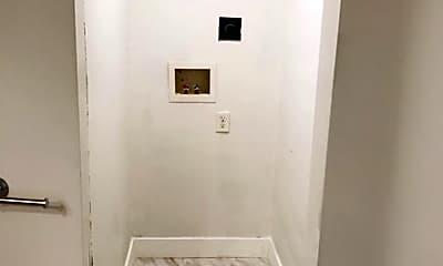 Bathroom, 506 23rd St, 2