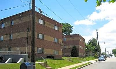 Benton Gardens Apartments, 1