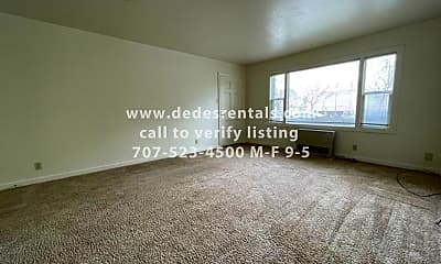 Living Room, 823 Washington St, 1