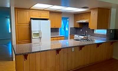 Kitchen, 20746 Greenside Dr, 1
