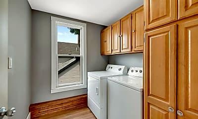 Kitchen, 2600 University Ave NE, 2