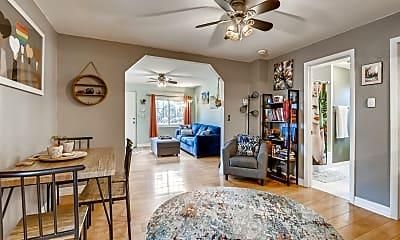 Living Room, 937 N Harlan St, 1