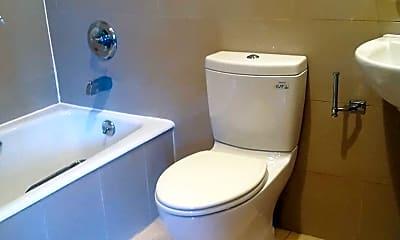 Bathroom, 21 Ludlow St, 2