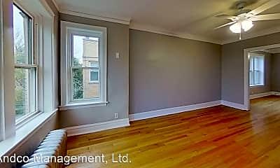 Living Room, 4823 W Addison St, 1