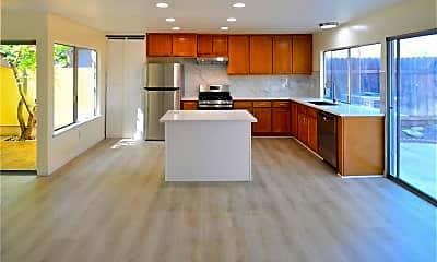 Kitchen, 432 San Vincente Cir, 1