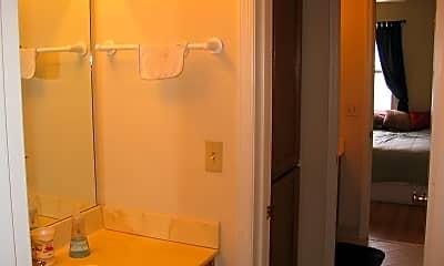 Bathroom, 2121 Acklen Ave, 2