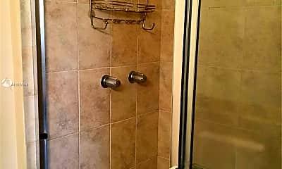 Bathroom, 680 Cypress Club Way G10, 2