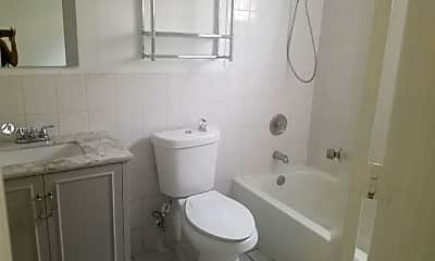 Bathroom, 152 SW 9th St 7, 2