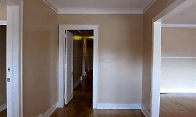 Living Room, 724 Highland Park Dr, 2