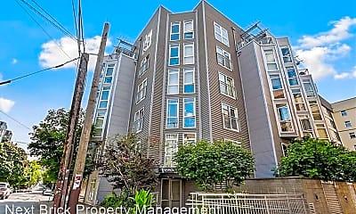 Building, 103 Bellevue Ave E, 1
