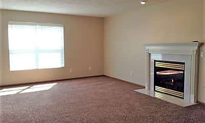 Living Room, 940 Foxcroft Place, 1