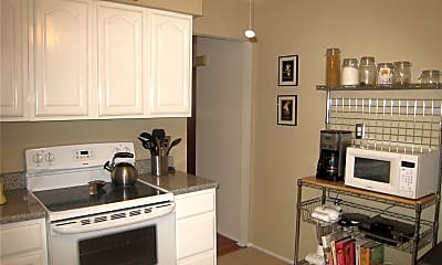 Kitchen, 15-68 Waters Edge Dr 2, 1