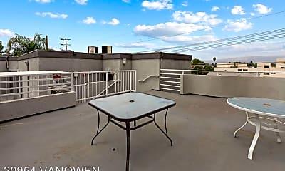Pool, 20954 Vanowen St, 2