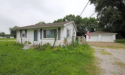 Building, 184 Maple Dr, 0