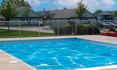 Pool, Stratford Lakes, 2