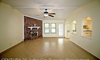 Living Room, 3702 Fort Hunt Dr, 1