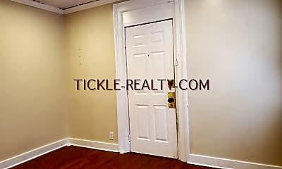 Bedroom, 103 Troup St, 2