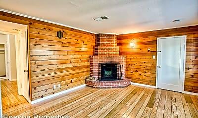Living Room, 503 Forest St, 1