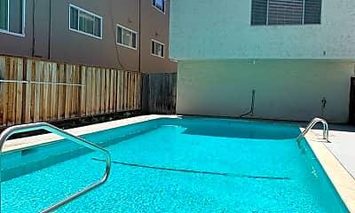 Pool, 1508 San Antonio St, 2
