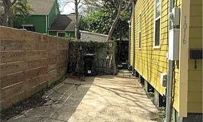 Building, 1016 Martinique Alley, 2