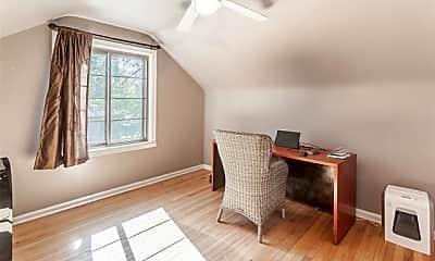 Bedroom, 1086 W Lewiston Ave, 2