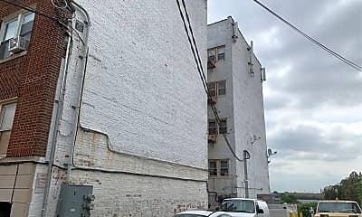 194 Davis Ave, 2