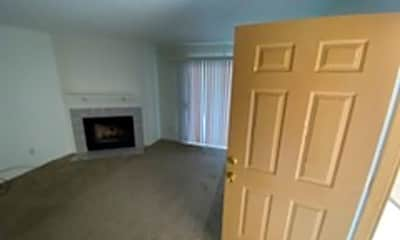 Living Room, 2221 Highpointe Dr, 1