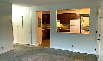 Living Room, 528 Main St, 1