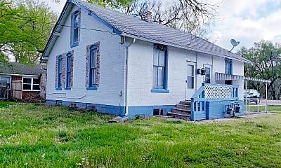 Building, 608 W 18th St N, 0