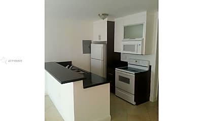 Kitchen, 1034 Lenox Ave 4, 1